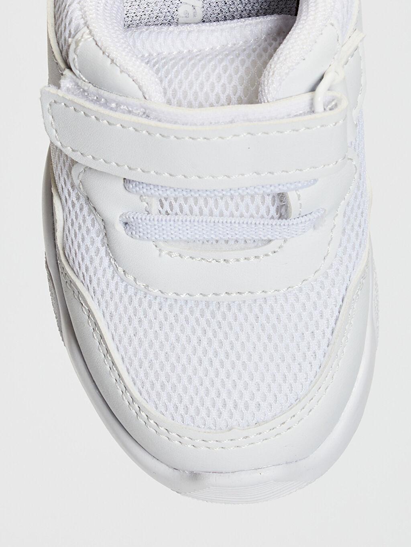 LC Waikiki Beyaz Erkek Bebek Cırt Cırtlı Günlük Ayakkabı
