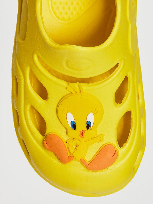 Sarı Kız Bebek Tweety Lisanslı Lastikli Plaj Ayakkabısı