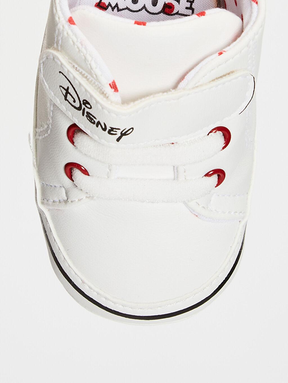 LC Waikiki Beyaz Kız Bebek Minnie Mouse Lisanslı Yürüme Öncesi Ayakkabı