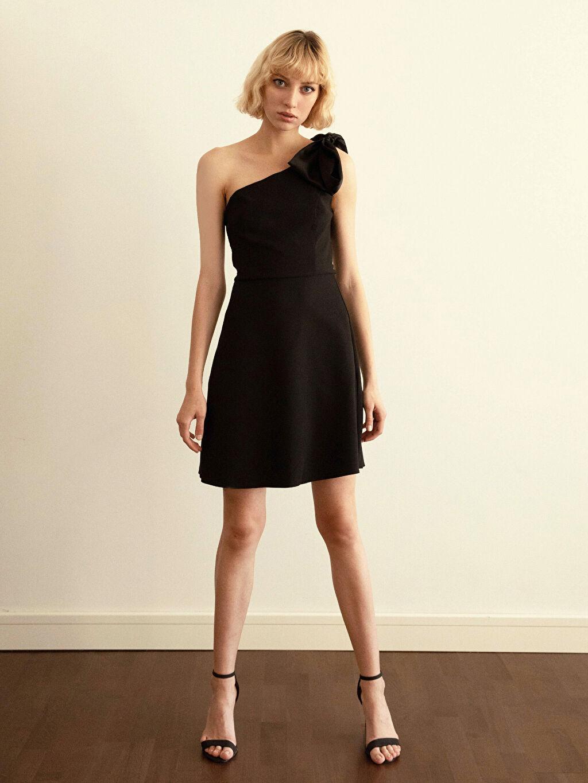 %95 Polyester %5 Elastan %100 Polyester Orta Kalınlık 3/4 Boy Düz Parti Elbise Appleline Tek Omuz Detaylı Elbise