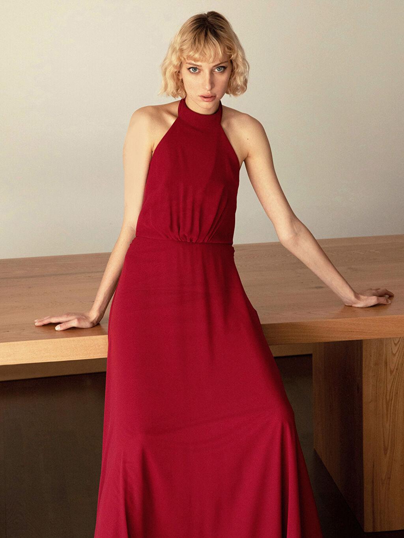 %100 Polyester %100 Polyester Orta Kalınlık Kolsuz Abiye Düz Elbise Appleline Halter Yaka Abiye Elbise