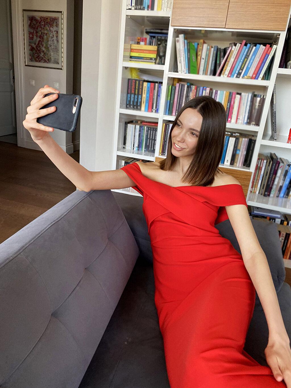 %95 Polyester %5 Elastan Appleline Kruvaze Yaka Detaylı Abiye Elbise