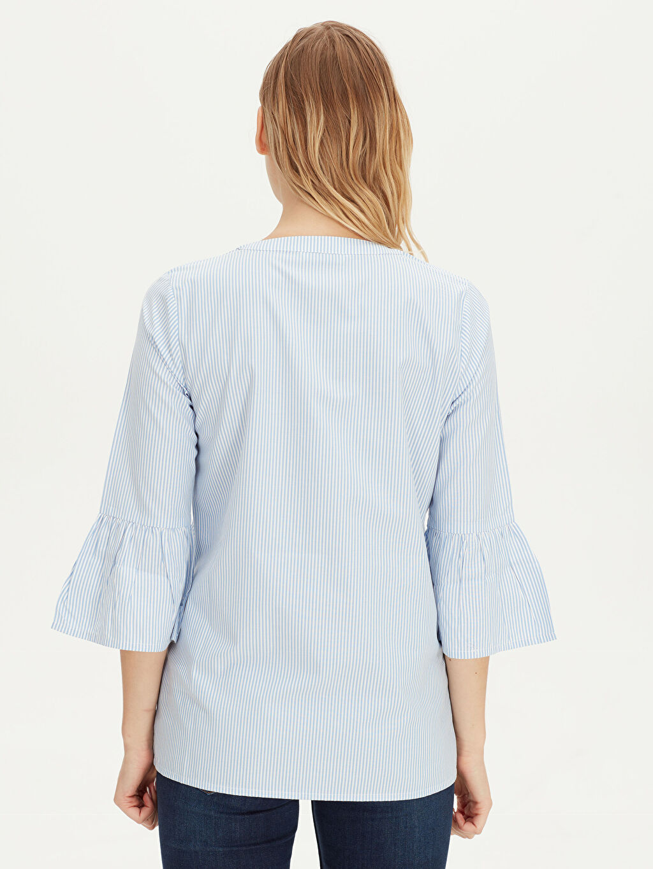 %54 Pamuk %46 Polyester Yakası Pul İşlemeli Çizgili Bluz