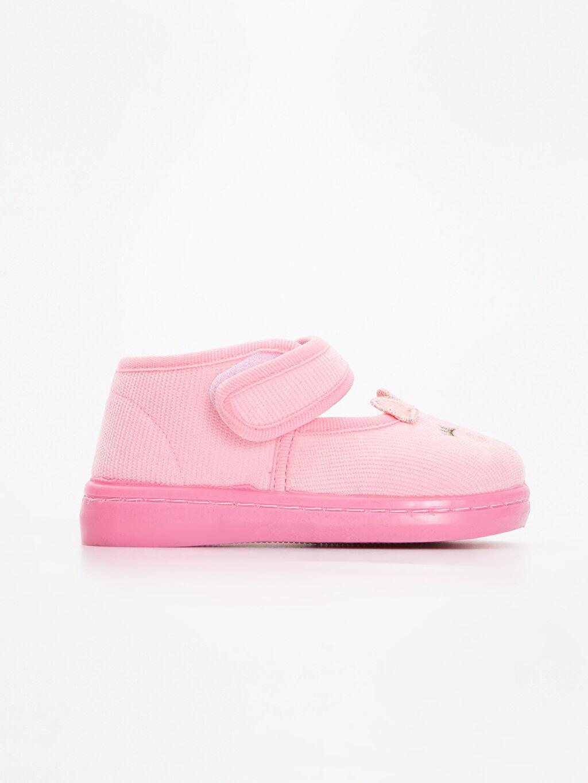 Pembe Kız Bebek Nakışlı Kadife Ev Ayakkabısı 8W0345Z1 LC Waikiki
