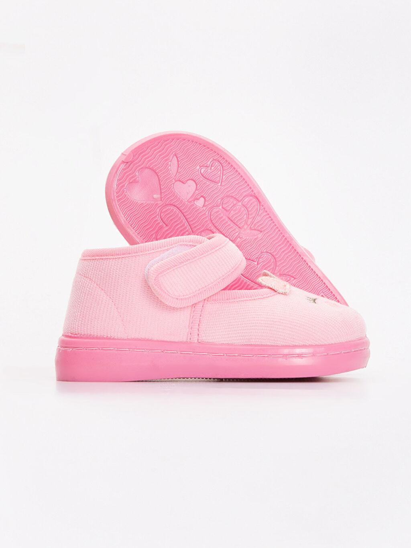 Kız Bebek Kız Bebek Nakışlı Kadife Ev Ayakkabısı