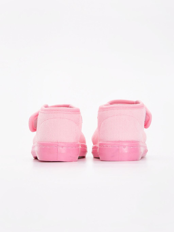 Kız Bebek Nakışlı Kadife Ev Ayakkabısı