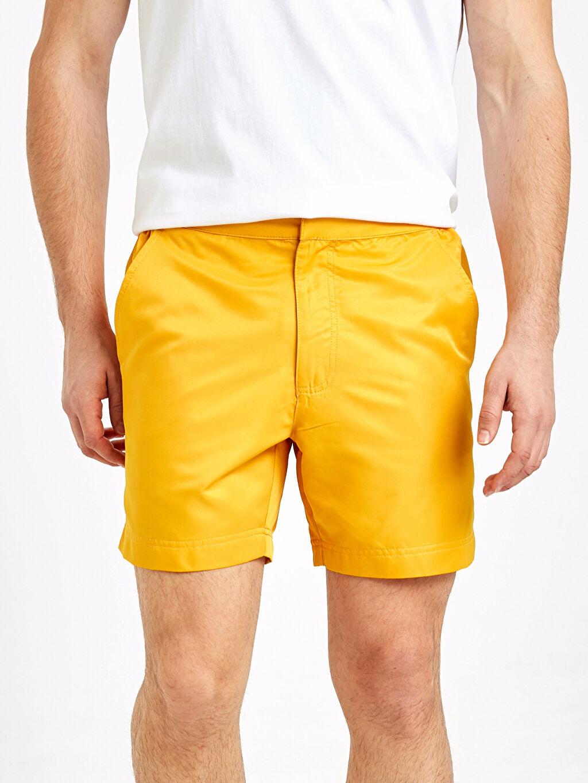 LC Waikiki Sarı Kısa Boy Deniz Şortu