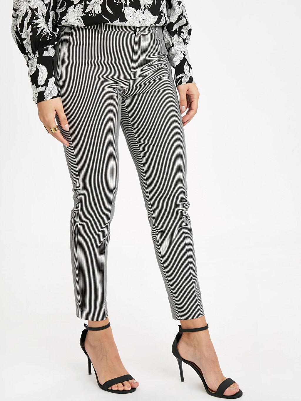 %54 Pamuk %42 Polyester %4 Elastan Normal Bel Esnek Skinny Kısa Paça Kumaş Pantolon Bilek Boy Skinny Kumaş Pantolon