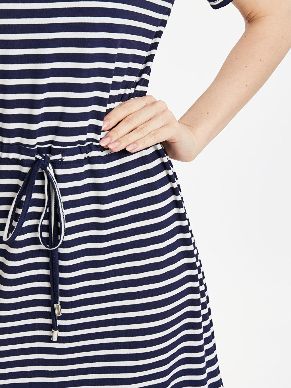 Kadın Beli Büzgülü Çizgili Elbise