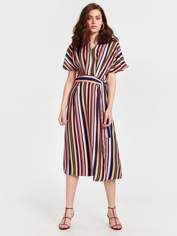 Çok Renkli Beli Bağlama Detaylı Çizgili Viskon Elbise 9SM148Z8 LC Waikiki