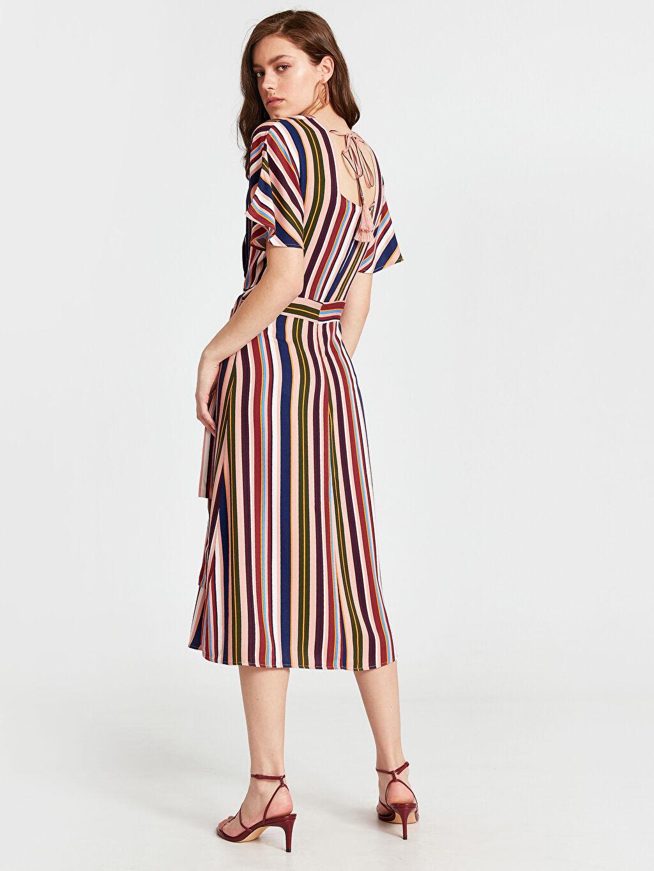 %100 Viskoz Midi Çizgili Kısa Kol Beli Bağlama Detaylı Çizgili Viskon Elbise