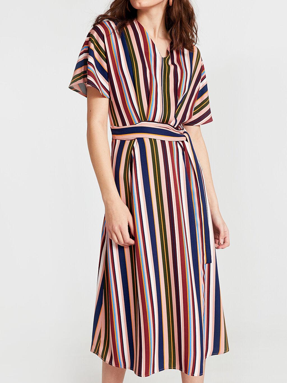 Kadın Beli Bağlama Detaylı Çizgili Viskon Elbise
