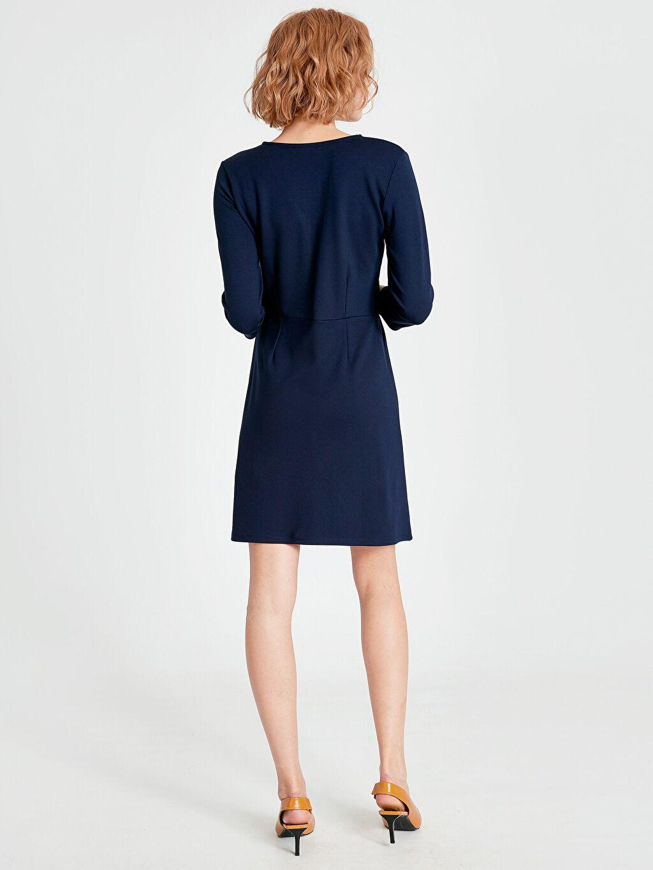 %25 Polyester %71 Viskoz %4 Elastan Kruvaze Yaka Düğme Detaylı Mini Elbise
