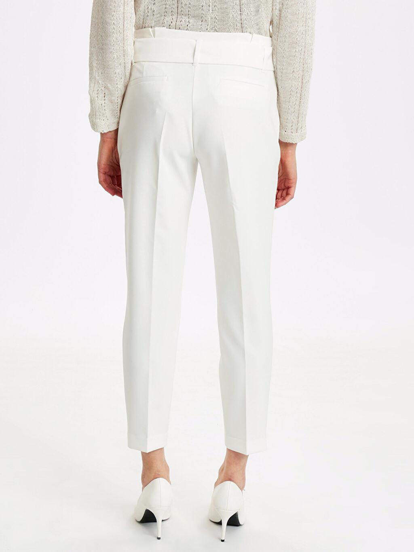 Kadın Kemerli Bilek Boy Esnek Kumaş Pantolon