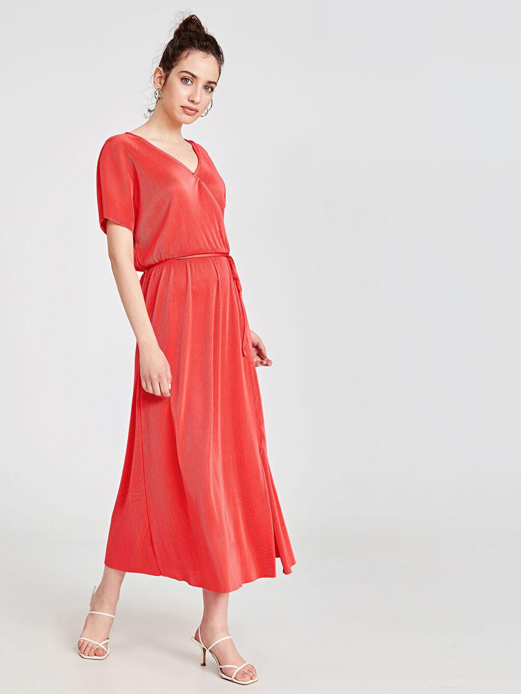 %100 Polyester Bol Uzun V Yaka Kısa Kol Wrap Düz Elbise Ofis/Klasik Kruvaze Yaka Kuşaklı Elbise