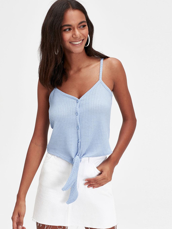 %97 Polyester %3 Elastan V Yaka Standart Atlet Kolsuz Standart Beli Bağlama Detaylı Askılı Bluz