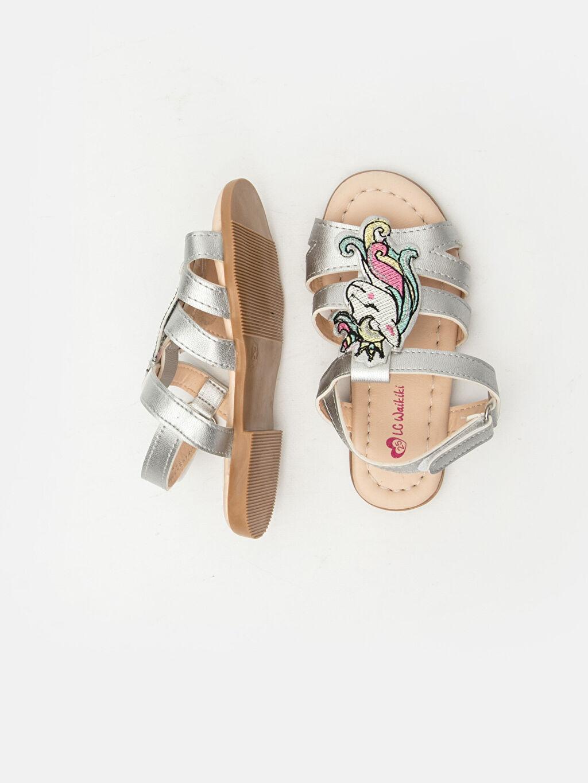 %0 Diğer malzeme (poliüretan) %0 Tekstil malzemeleri (%100 poliester) Kısa(0-2cm) Diğer Kısa Sandalet PU Astar Kız Çocuk Unicorn Desenli Parlak Sandalet