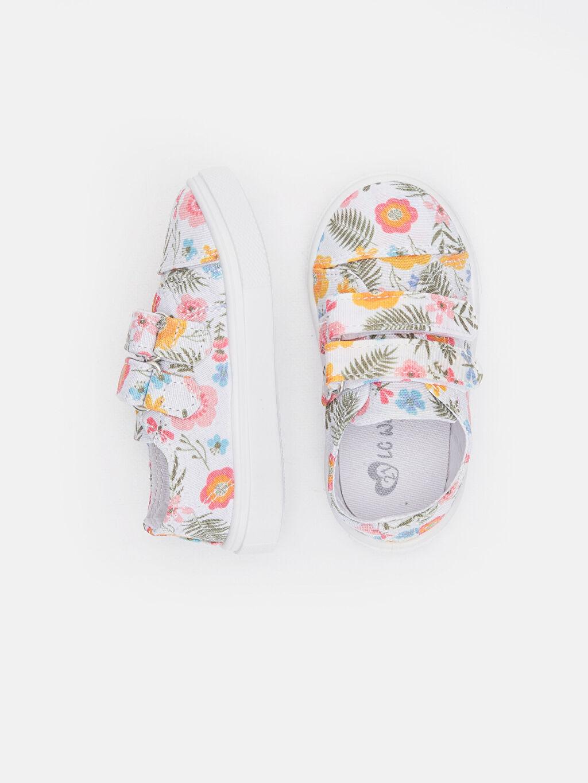 %0 Tekstil malzemeleri (%100 poliester)  Kız Bebek Çiçek Desenli Ayakkabı