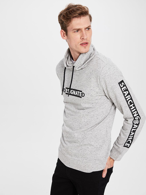 %50 Pamuk %50 Polyester  Keşiş Yaka Baskılı Uzun Kollu Sweatshirt