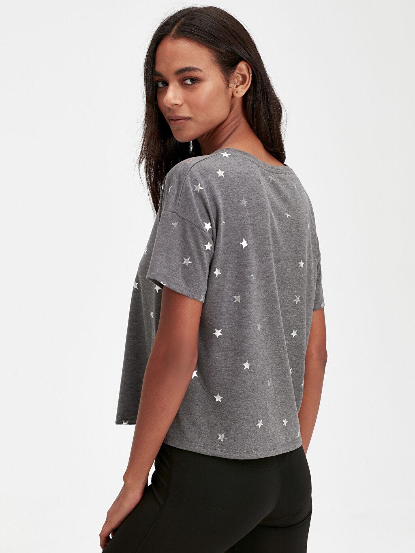 Kadın Yıldız Baskılı Spor Tişört