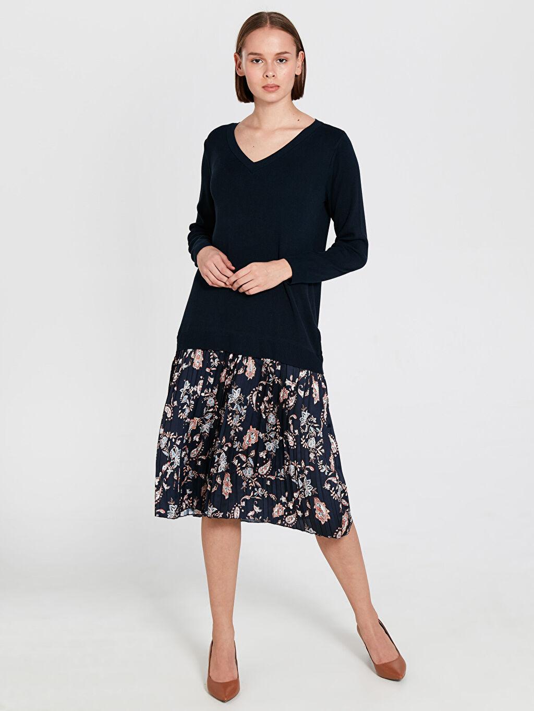 %10 Polyester %90 Viskoz Midi Ofis/Klasik Standart Elbise V Yaka Uzun Kol Diz Altı Desenli Kolsuz Elbise