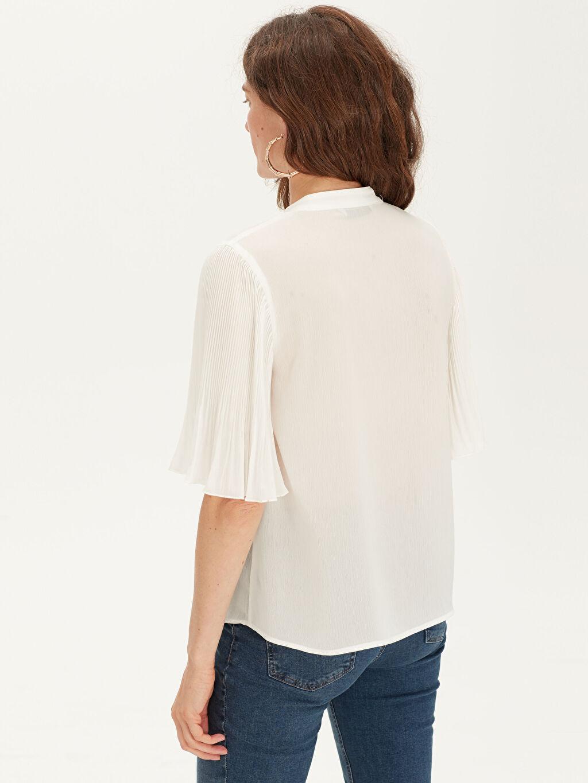 Kadın Düğmeli V Yaka Bluz