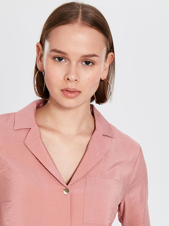 Kadın Yakalı Saten Gömlek