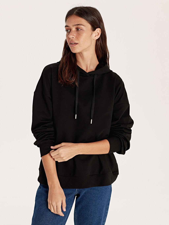 Siyah Kapüşonlu Düz Sweatshirt 9WO084Z8 LC Waikiki
