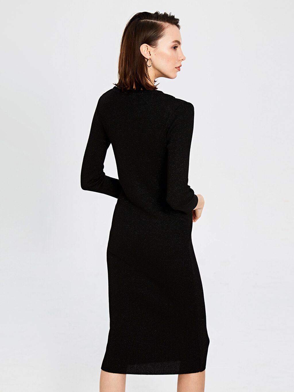 %7 Polyester %83 Viskoz %10 Metalik iplik Omuz Detaylı Işıltılı Triko Kalem Elbise