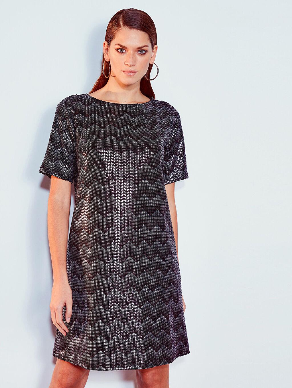 Kadın Desenli Işıltılı Elbise