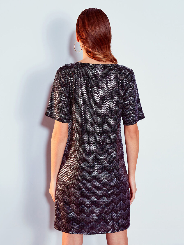 LC Waikiki Siyah Desenli Işıltılı Elbise