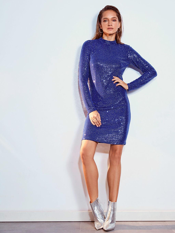 Kadın Sırt Detaylı Işıltılı Esnek Elbise