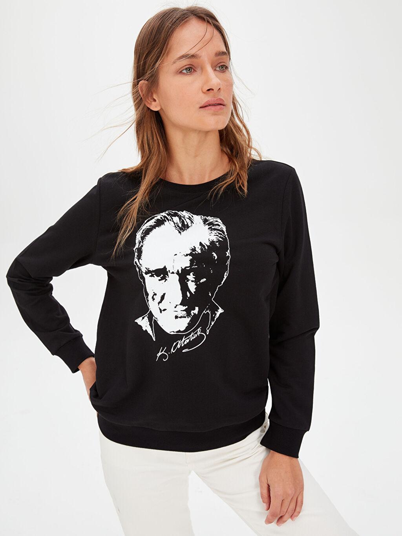 Siyah Atatürk Portresi Baskılı Pamuklu Sweatshirt 9WP297Z8 LC Waikiki