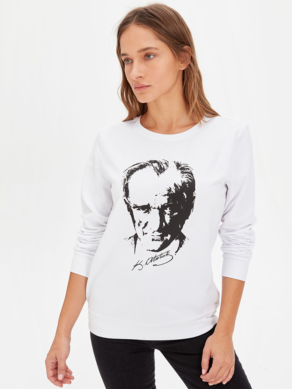 Beyaz Atatürk Portresi Baskılı Pamuklu Sweatshirt 9WP297Z8 LC Waikiki