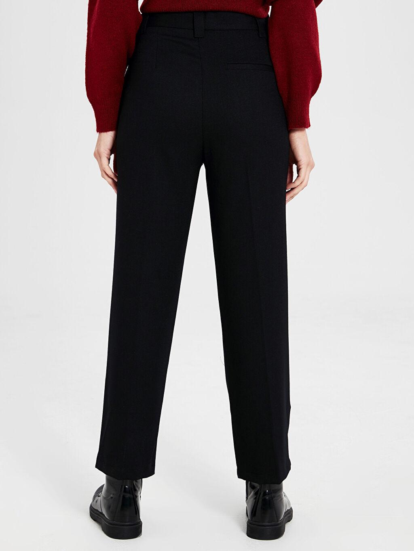 Kadın Kuşaklı Düz Paça Pantolon