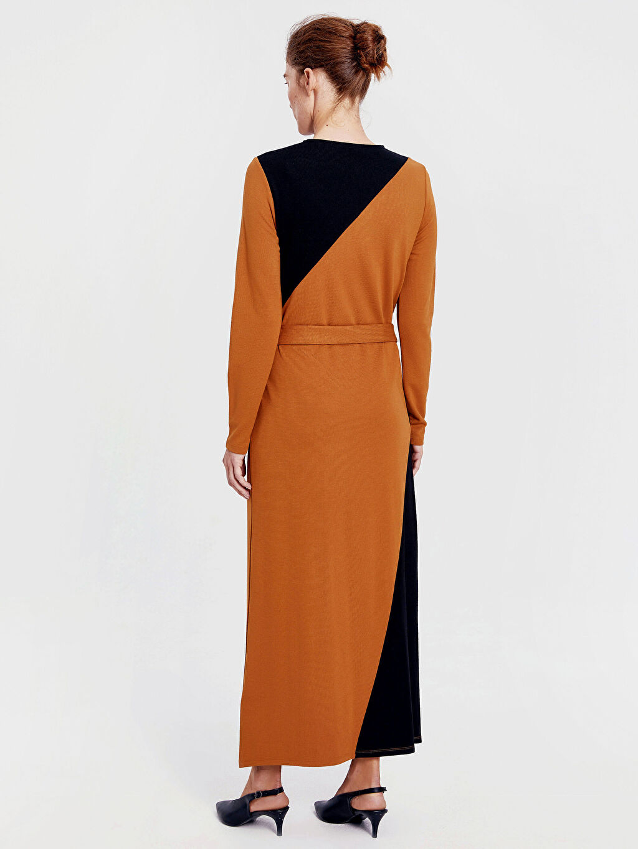 %26 Polyester %72 Viskoz %2 Elastan Elbise Uzun Kol A Kesim Standart Baskılı Astarsız Uzun Renk Bloklu Kuşaklı Uzun Elbise