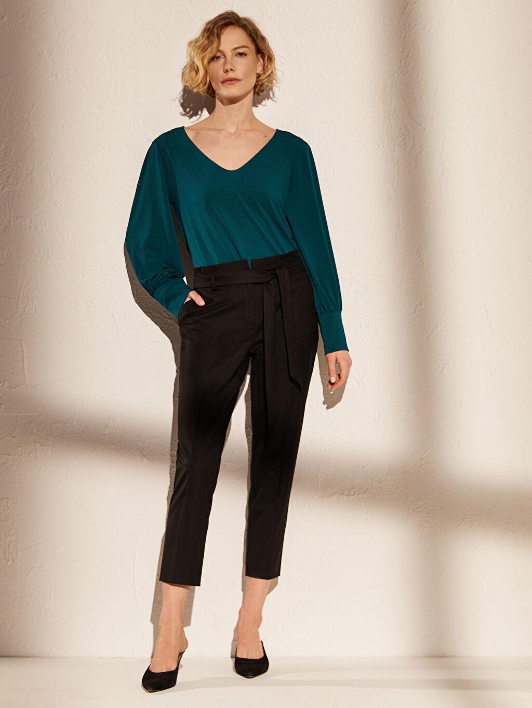 %64 Polyester %2 Elastan %34 Viskon Havuç Kesim Pantolon Yüksek Bel Düz Gabardin Bilek Boy Orta Kalınlık Yüksek Bel Esnek Havuç Kemerli Pantolon