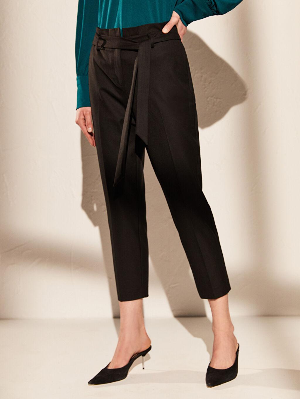 Kadın Yüksek Bel Esnek Havuç Kemerli Pantolon