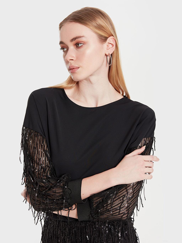Kadın Sateen Saçaklı Pul İşlemeli Bluz