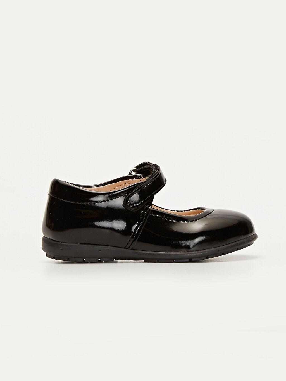 Siyah Kız Çocuk Rugan Ayakkabı 9W4580Z4 LC Waikiki
