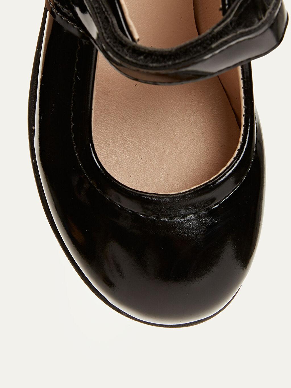 LC Waikiki Siyah Kız Çocuk Rugan Ayakkabı