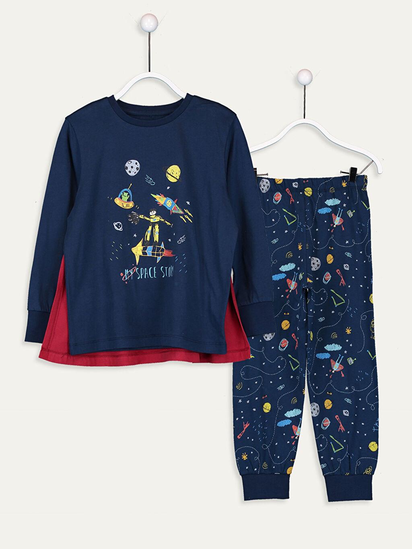 Lacivert Erkek Çocuk Baskılı Pamuklu Pijama Takımı ve Pelerin