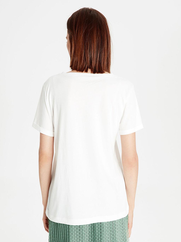 %100 Pamuk Pul İşlemeli Pamuklu Tişört