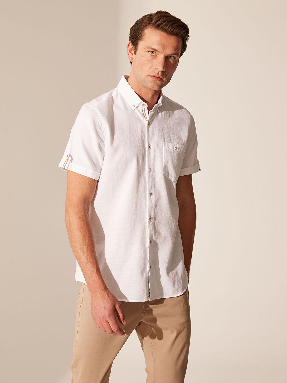 Beyaz Slim Fit Kısa Kollu Armürlü Gömlek 0S8076Z8 LC Waikiki