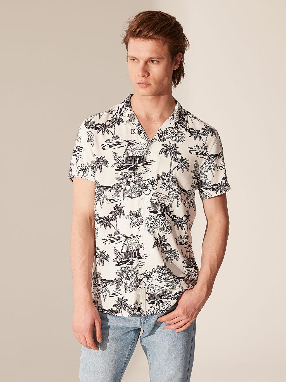 Beyaz Slim Fit Desenli Viskon Gömlek 0S8513Z8 LC Waikiki
