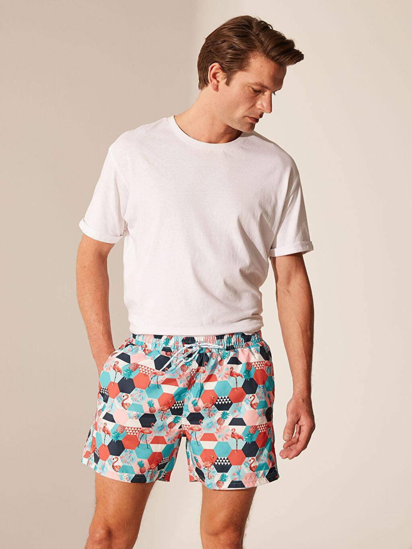 %100 Polyester %100 Polyester  Diz Üstü Boy Desenli Deniz Şortu