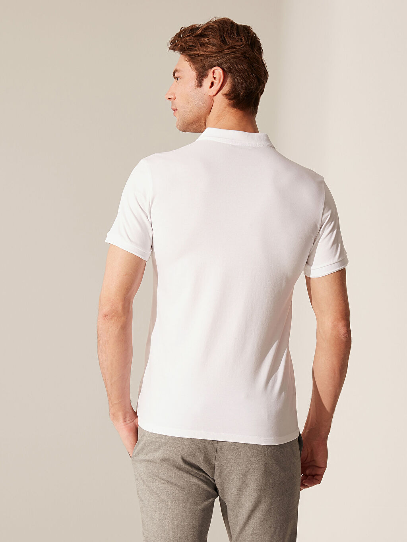 Beyaz Polo Yaka Basic Tişört