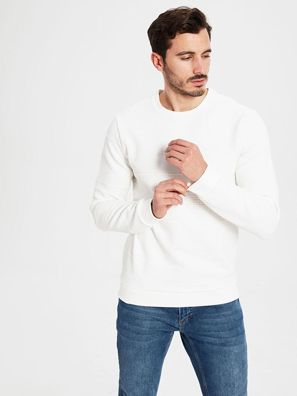 %83 Polyester %2 Elastan %15 Viskoz  Bisiklet Yaka Dokulu Sweatshirt