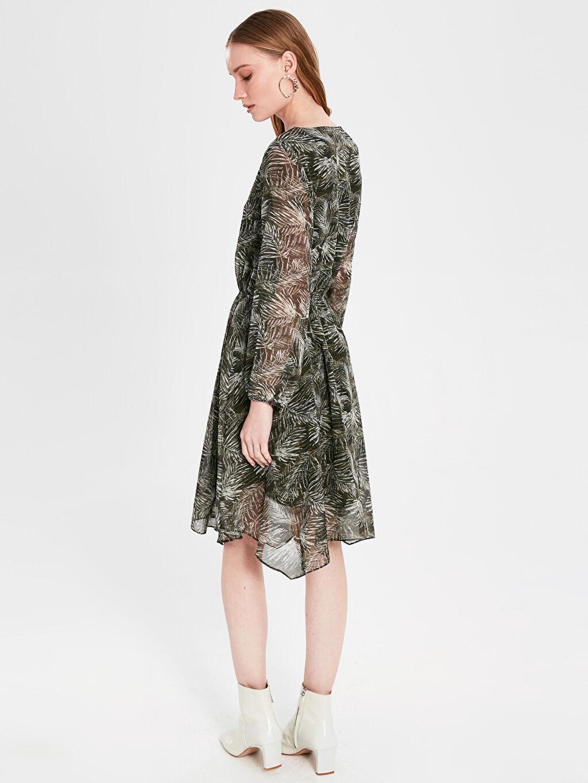 Kadın Desenli Asimetrik Şifon Elbise
