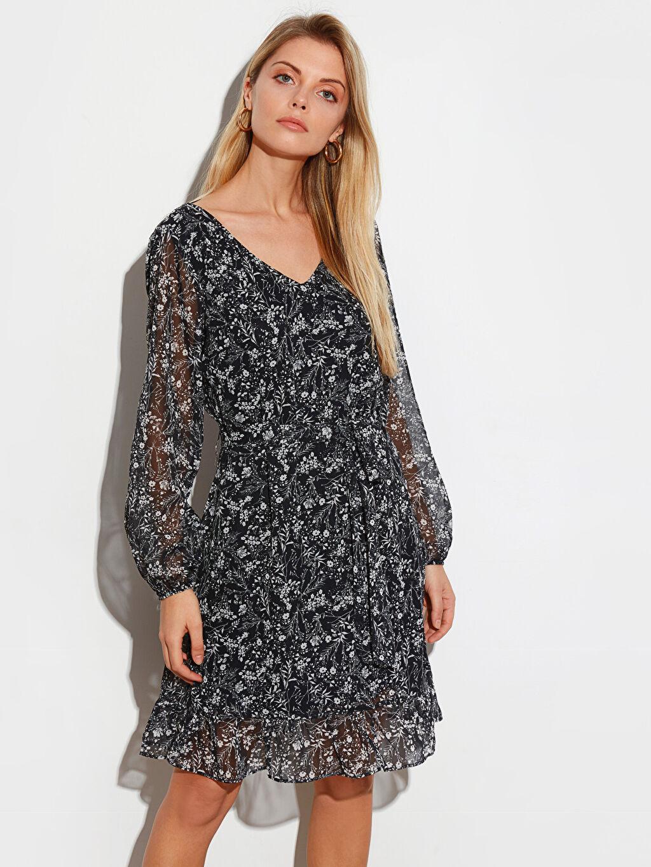 %100 Polyester %100 Polyester Ofis/Klasik Standart Çiçekli Şifon V Yaka Uzun Kol Elbise Kısa Önden Bağlama Diz Üstü Desenli Uzun Kollu Elbise